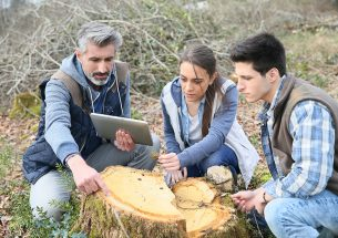 Advancing the synergies between teaching & research in ecology
